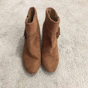 Report Moriah Tan/Light brown Ankle Boots Sz 9